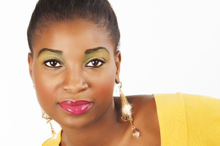 fille noire: Black Girl en jaune Banque d'images