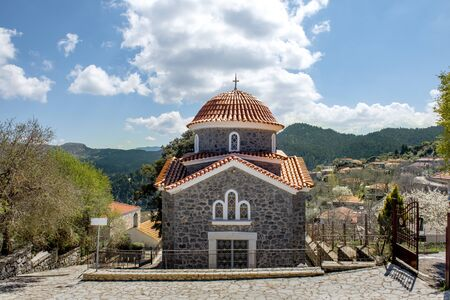 church in mountain village, Baltessiniko in Arcadia, Peloponnese, Greece Stockfoto