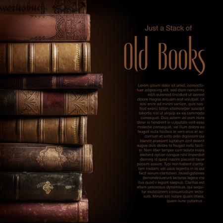 biblioteca: Pila de libros antiguos
