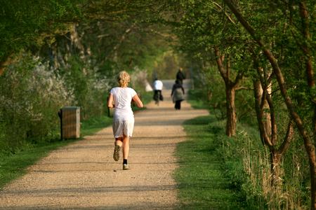 female jogger: Mujeres Jogger