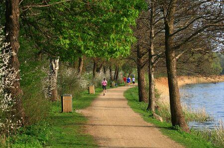 lagos: Footing en un parque