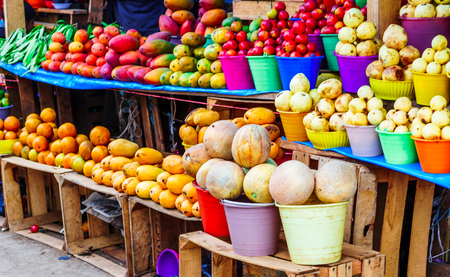 View on fresh fruits on indigenous market in Guatemala Standard-Bild