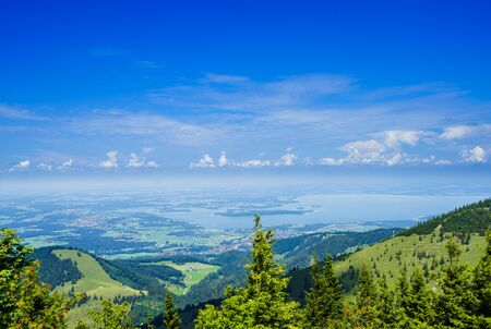 Aerial view on lake Chiemensee from Kampenwand mountain in Bavaria 免版税图像