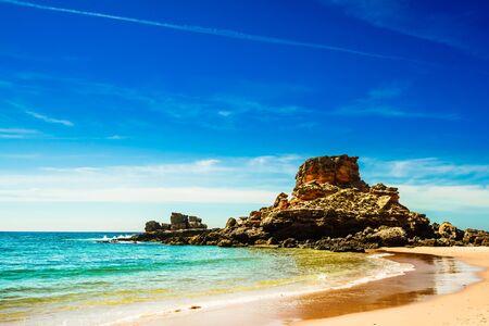 Beautiful beach Praia do Castelejo at the Algarve coast in Portugal 免版税图像