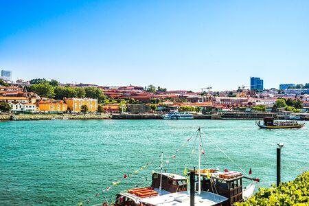 Pier at Douro valley in Oporto, Portugal 免版税图像
