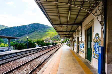 View on Pinhao train station in douro valley, Portugal 免版税图像 - 144070053