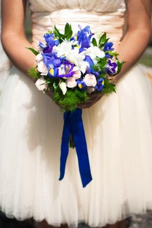 karanfil: gelinin elinde düğün buket