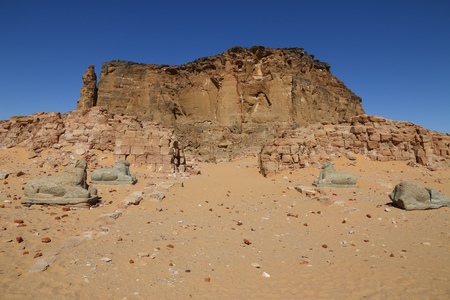 Ancient temple of Pharaoh in the Sudan 版權商用圖片 - 122257016