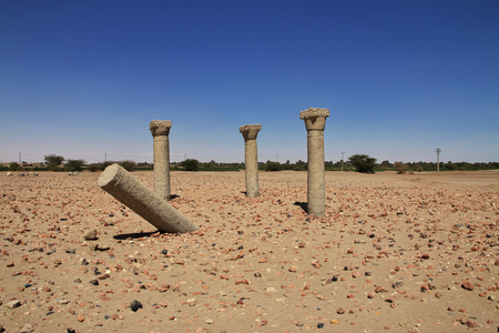 Ruins of ancient Egyptian temple in Nubia 版權商用圖片 - 122098700