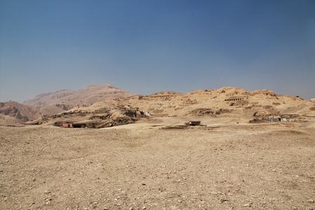 Antigua necrópolis del Valle de los artesanos en Luxor, Egipto