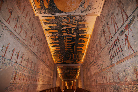 Luxor, Egypt - 28 Feb 2017. Frescos in the ancient necropolis Valley of the Kings in Luxor 에디토리얼