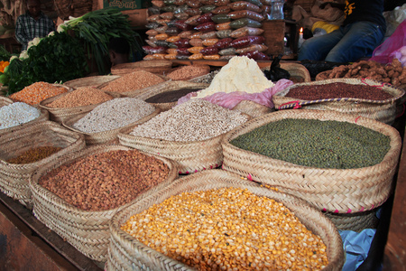Local market in Arusha city, Tanzania 免版税图像