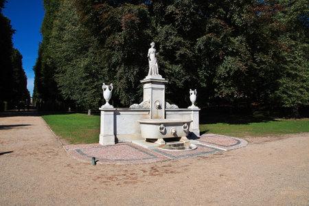 Potsdam  Germany - 15 Sep 2015: The statue in Potsdam park, Germany Редакционное