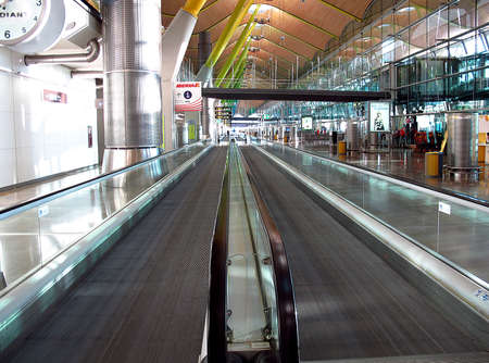 Madrid / Spain - 14 May 2011: The Airport in Madrid city, Spain 新聞圖片