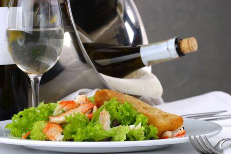 mesa para banquetes: Tabla del banquete que fija los mariscos de la ensalada