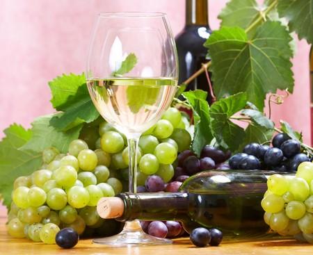 cave: Composition de vin  Banque d'images