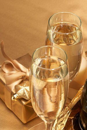 Champagne and gift Stock Photo - 8163871