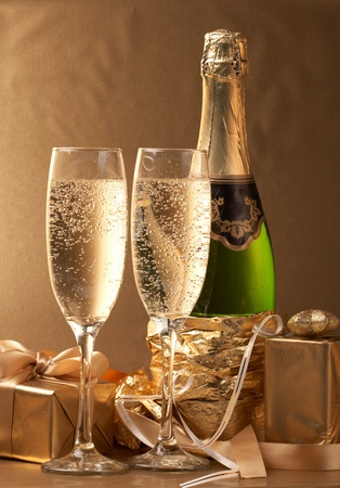 Champagne and gift Stock Photo - 8515224