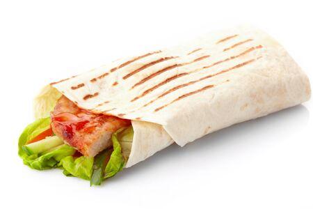 sandwich au poulet: tortilla avec de la viande et les l�gumes