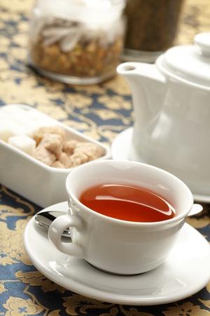 comida inglesa: taza de t� con una tetera