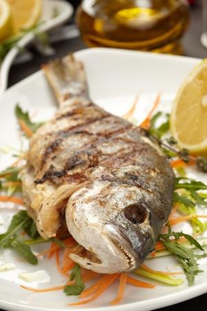 sparus: fish with lemon