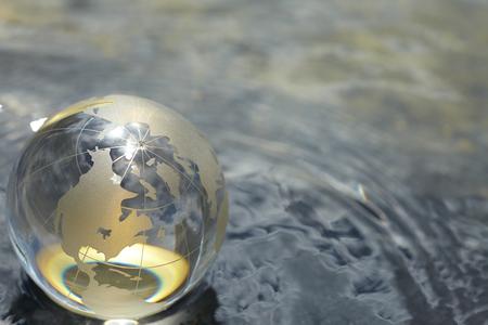 globe terrestre: globe en verre