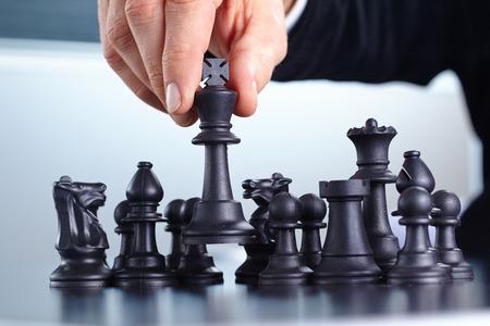 jugando ajedrez: Empresario de juego juego de ajedrez
