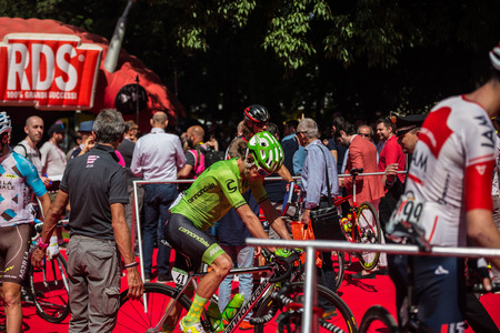 internships: Muggi?, Italy May 26, 2016, Rigoberto Uran, Cannondale team, to the podium signatures before the start of the stage Editorial