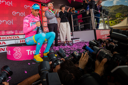 internships: Sant Anna, Italy May 28, 2016; Vincenzo Nibali, Astana team on the podium in the pink jersey mobbed by photographers. Editorial