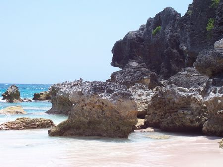 Bermudas Horseshoe Bay offers a breathtaking view of one of the most popular attractions.