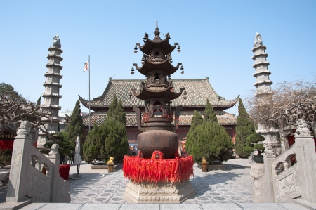 chinese temple: Temple of the Chief Minister, Kaifeng, China