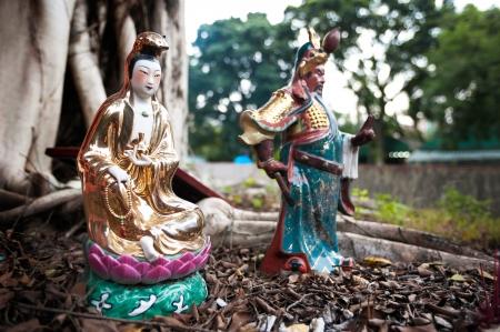 인기 중국 신들 관음와 관우, 홍콩의 동상