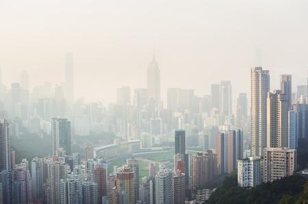 contaminacion del aire: La contaminaci�n del aire se cierne sobre el distrito de Happy Valley de la isla de Hong Kong