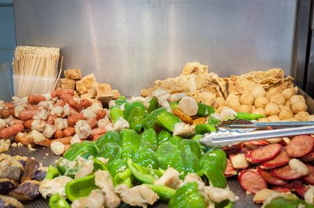 홍콩 길거리 음식 마구간에서 튀긴 야채