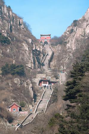 、中国泰山天国への階段