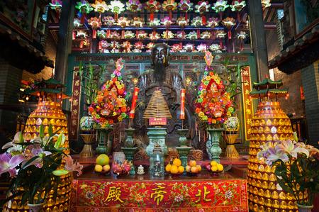 Main altar at Pak Tai Temple, Wanchai, Hong Kong 에디토리얼