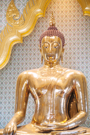 largest: The worlds largest solid gold Buddha statue at Wat Traimit, Bangkok Stock Photo