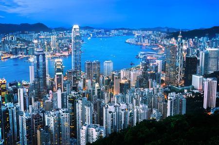 hong kong: Hong Kong cityscape at dusk, seen from Lugard Road on the Peak