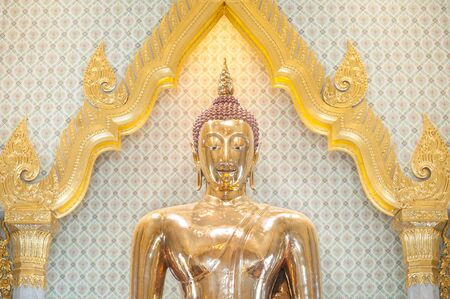 buddha statue: The largest solid gold Buddha statue in the world, Wat Traimit, Bangkok, Thailand
