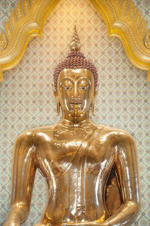 wat traimit: The famous golden Buddha at Wat Traimit, Bangkok