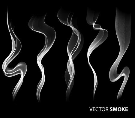 fumar: Conjunto de vector humo realista sobre fondo negro Vectores