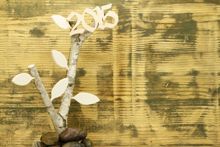 the fruitful: Background made out of recycled fir wood with Birchwood and Holzbl LEAVES and the number 2015 Buchholz? - Symbol fra fruitful year in 2015 and growth.
