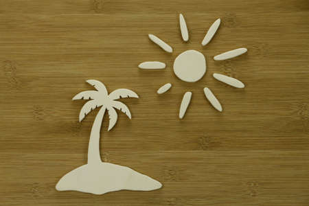 Palm tree island, sun - Display with wooden elements