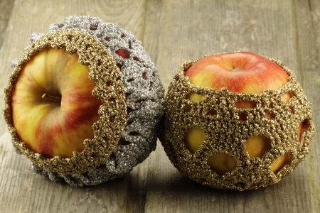 food poison: Wintry decorated apples - with crochet sweaters
