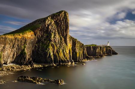 skye: Neist Point Lighthouse an cliffs, Isle of Skye, Scotland