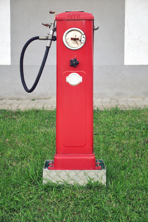 Old red automaton for refueling cars. Lizenzfreie Bilder