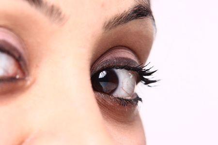 hypnotise: beautiful brown eye and pink makeup