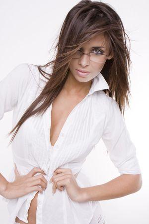 donna sexy: sexy donna che indossa occhiali e camicia bianca  Archivio Fotografico