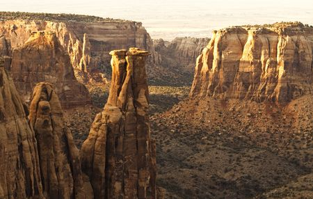 junction pipe:  la collina di Pipe Organ nel Monument Canyon
