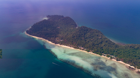 Aerial drone view of beautiful tropical Koh Kradan paradise island in Thailand Reklamní fotografie